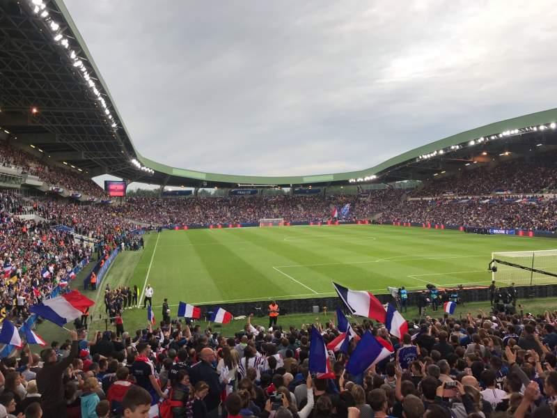 Vista sentada para Stade De La Beaujoire Secção E2F Fila ZC Lugar 221