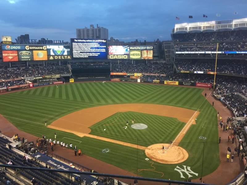 Vista sentada para Yankee Stadium Secção 320C Fila 1