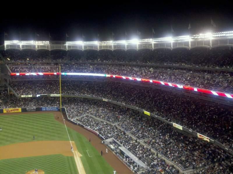 Vista sentada para Yankee Stadium Secção 423 Fila 9 Lugar 13