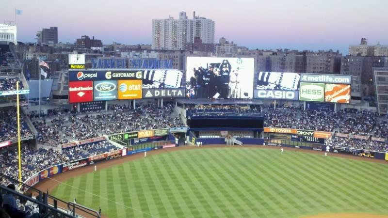 Vista sentada para Yankee Stadium Secção 422 Fila 5 Lugar 20