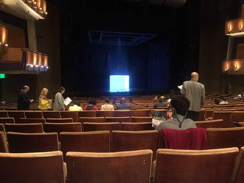 Vista sentada para Ahmanson Theatre Secção Orchestra Fila T Lugar 48