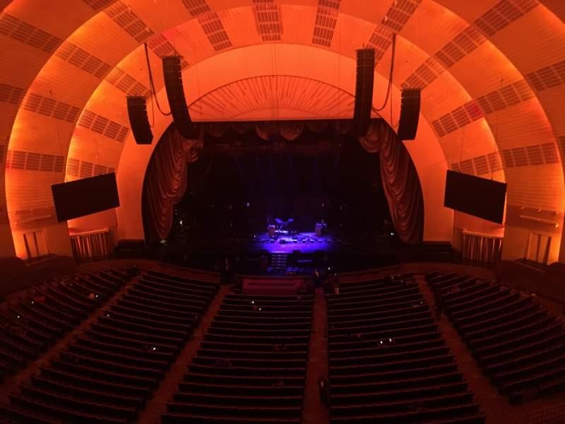 Vista sentada para Radio City Music Hall Secção 3RD Mezzanine 3 Fila B Lugar 313