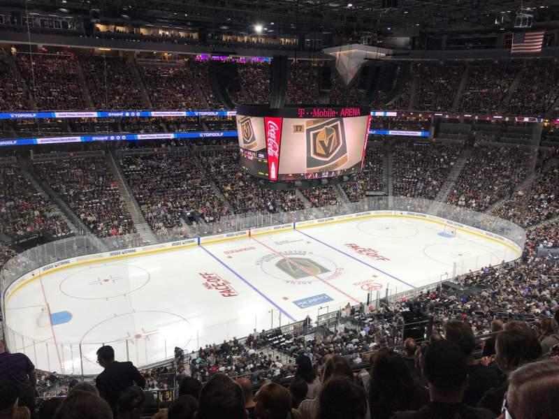 Vista sentada para T-Mobile Arena Secção 202 Fila G Lugar 3